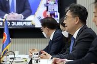 박양우 문화체육관광부 장관이 지난 22일 서울 용산구 문체부 스마트워크센터 회의실에서 제4차 한-아세안 문화장관 화상회의에 참석해 모두 발언을 하고 있다.