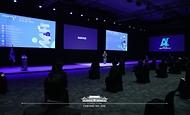 석상옥 네이버랩스 대표가 25일 오후 경기도 고양시 일산 킨텍스에서 열린 한국판 뉴딜 '대한민국 인공지능'을 만나다 행사에서 데이터샌드박스 구축 및 글로벌 인공지능 경쟁력 확보 방안에 대한 기업 성과와 비전을 공유하고 있다.