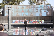 11일 부산유엔기념공원에서 열린 턴투워드부산 유엔참전용사 국제추모식에서 기념공연이 열리고 있다.