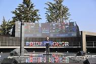 정세균 국무총리가 11일 부산유엔기념공원에서 열린 턴투워드부산 유엔참전용사 국제추모식에서 기념사를 하고 있다.