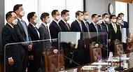 9일 서울 중구 은행연합회에서 열린 여신전문금융회사·저축은행 최고경영자(CEO) 간담회에 앞서 참석자들이 기념사진을 찍고 있다.
