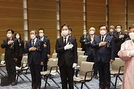 이남우 국가보훈처 차장이 11일 오후 2시 백범김구기념관에서 열린 대한민국임시정부 선열 추념식에 참석하여 주요 내빈과 함께 국민의례를 하고 있다.