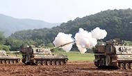 3일 경기도 포천시 꽃봉훈련장에서 실시된 K9A1 자주포 사격훈련에서 육군7포병여단 백호대대 K9A1 자주포가 측방사격으로 포탄을 발사하고 있다. (출처=국방일보)