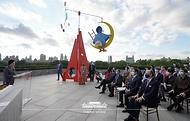 제76차 유엔총회를 계기로 문재인 대통령과 함께 미국 뉴욕을 방문 중인 김정숙 여사가 20일(현지시간) 메트로폴리탄 미술관을 방문해 한국실 개관 축사를 하고 있다.