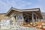 강원도 평창군 대관령면에 위치한 대관령 양떼목장에서는 건초주기 체험을 할 수 있는 체험장이 마련되어 있으며, 입장권을 주면 건초로 교환해준다.<br/> <br/> - 대한민국 테마여행 10선 '평창로드' (1일차 코스)