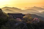 제16회 국립공원사진공모전 장려상 <한려해상_보리암의 아침 / 박재준>