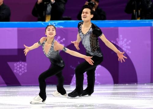 피겨스케이팅 페어 쇼트프로그램에 출전한 남북한 선수들