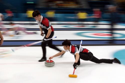 남자 컬링 예선 대한민국과 영국 경기