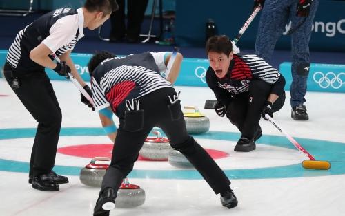 컬링 남자 예선 세션 12 시트 경기, 한국 대 일본