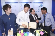 유영민 과학기술정보통신부 장관이 10일 인도 뉴델리 르메르디안호텔에서 열린 'K-글로벌 인디아 2018' 스타트업 데모데이에 참석해 격려사를 하고 있다.