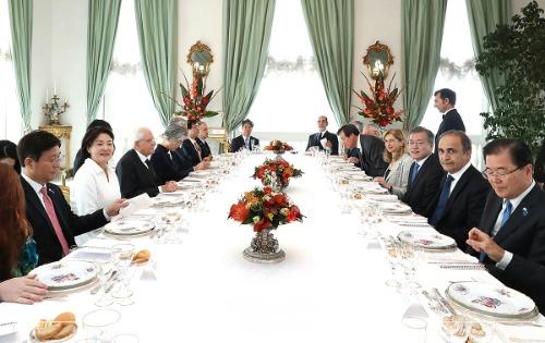 마타렐라 이탈리아 대통령과 오찬