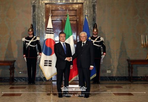 이탈리아 대통령궁 환영 행사 및 기념촬영