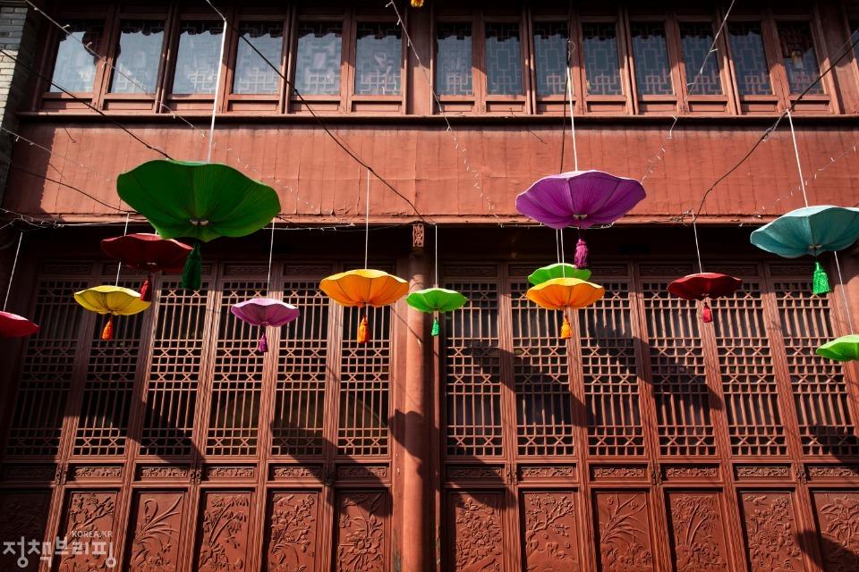 임시정부 요인 거주지는 대한민국 임시정부가 항저우에서 활동할 때 이동녕을 비롯한 임시정부 요인들이 잠시 피난 생활을 하던 곳이다.