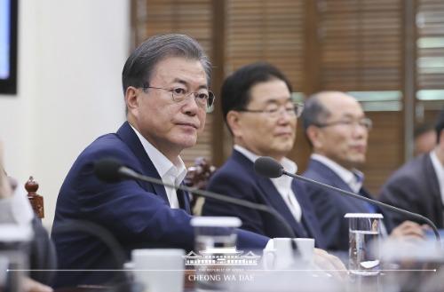 대통령 주재 수석보좌관회의