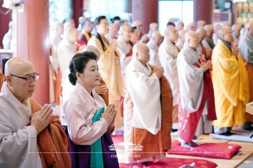 김정숙 여사, 한국불교지도자 신년하례법회