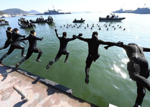 심해잠수사의 혹한기 훈련