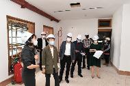 <p>정재숙 문화재청장은 15일 오후 서울 종로구에 있는 등록문화재 제687호 서울 앨버트 테일러 가옥(딜쿠샤) 복원공사 현장을 방문, 가옥 내부의 복원 현황을 살펴 보았다. 딜쿠샤는 AP통신사 특파원으로 일하면서 3.1운동을 세계에 알리고 한국의 독립 운동가들을 도왔던 앨버트 테일러가 1923년에 지어서 1942년 일제에 의해 추방당할 때까지 가족과 함께 살던 가옥으로 오는 11월 원형복원공사가 마무리될 예정이다.</p>