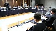 강도태 중앙재난안전대책본부 제1총괄조정관(보건복지부 2차관)이 5일 오후 서울 중구 LW컨벤션에서 열린 '사회적 거리두기 체계 개편안 공청회'에서 발언하고 있다.