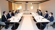 금융위원장, 코로나19 신용회복지원 관련 금융권 간담회