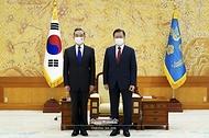 '왕이' 중국 국무위원 겸 외교부장 접견