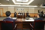 한정애 환경부 장관, '담배꽁초 회수·재활용 시범사업 업무협약식' 참석 사진 3
