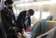 국군 전사자 유해 대통령 전용기 임시 안치 사진 2