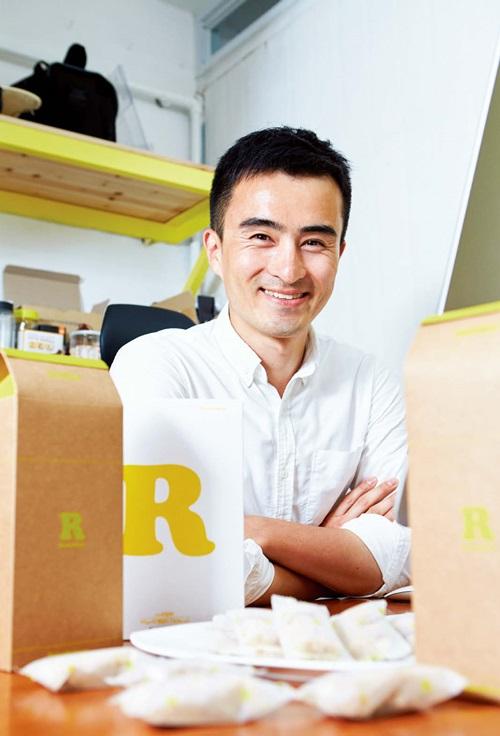 창업 2년째인 올해 중소기업청의 '창업맞춤형 사업화 지원사업'에 선정된 김정관 대표는 이제부터 시작이라며 각오를 다졌다.