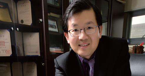 '외국인을 위한 마을변호사'로 활동하는 우양태 변호사