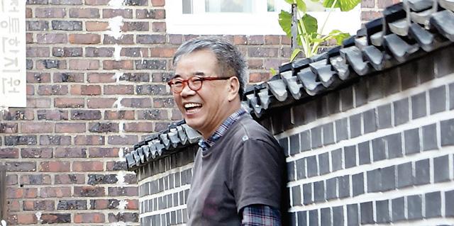 """시인 김용택 """"책은 새로운 세계의 통로, 젊은 작가 책 많이 읽어요"""""""