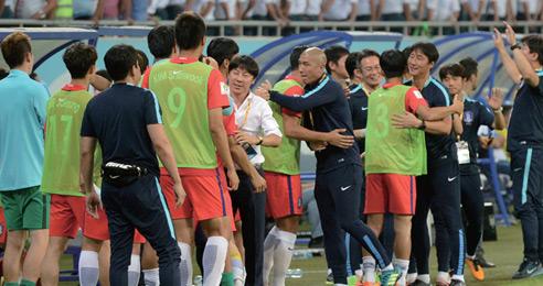 한국 축구 가까스로 러시아월드컵 선착!