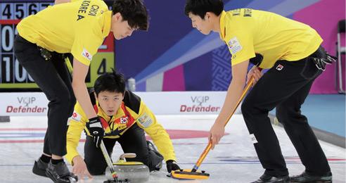 기록 파괴자 '팀 호먼' VS 컬링 신성 '팀 킴' '빙판 위의 체스' 금메달은 과연 어디로?