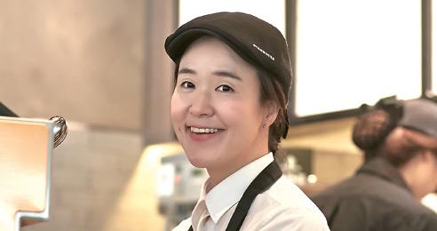 """스타벅스 첫 청각장애인 점장 권순미 """"안 되는게 아닌 조금 다를 뿐"""""""