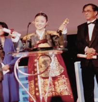 1993년 제1회 상하이국제영화제에서 '서편제'로 여우주연상을 받는 오정해