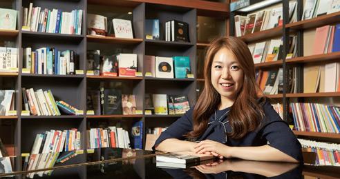 '책 읽기 다반사' 김범준·김슬기 작가 무너진 나를 일으킨 독서