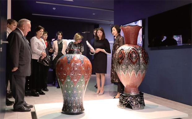 2월 23일(현지 시각) 주헝가리 한국문화원에서 개최된 '나전과 옻칠, 그 천년의 빛' 개막 전시회