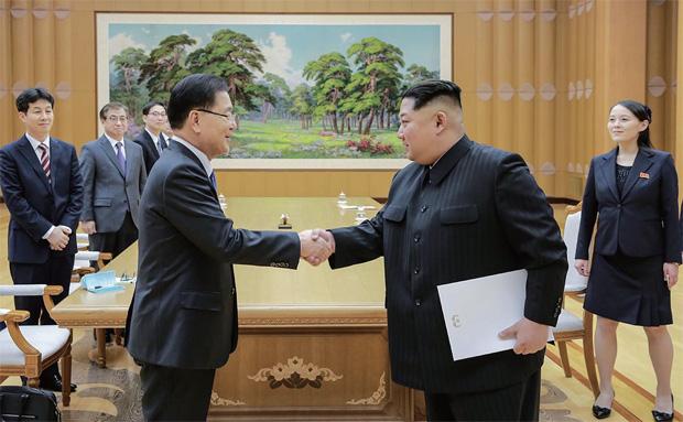 지난 3월5일 정의용 국가안보실장이 이끄는 대북 특사단 5명이 조선노동당 본관 진달래관에서 김정은 국무위원장을 접견하고 있다.