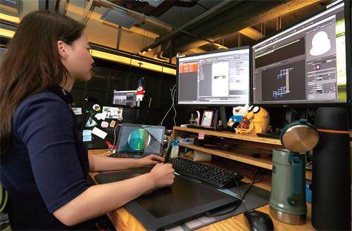 컴퓨터그래픽(CG) 작업 중인 덱스터 디자이너