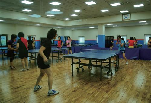 모든 국민이 10분내 체육활동을 즐길수 있도록 생활밀착형 국민체육센터 건립이 확대된다. 사진은 서울 양천구민체육센터 내부