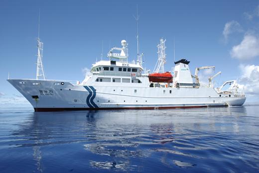 해양과학기술의 연구개발과 인력양성을 위해 국내유일의 해양과학기술분야 국책연구기관인 한국해양과학기술원이 4일 설립된다. 사진은 1400톤급 해양조사선 온누리호(사진=한국해양과학기술원)