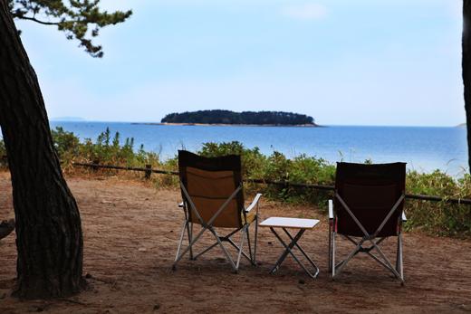 고사포오토캠핑장에서 바라보는 하섬의 풍경은 멋과 낭만이 가득하다.