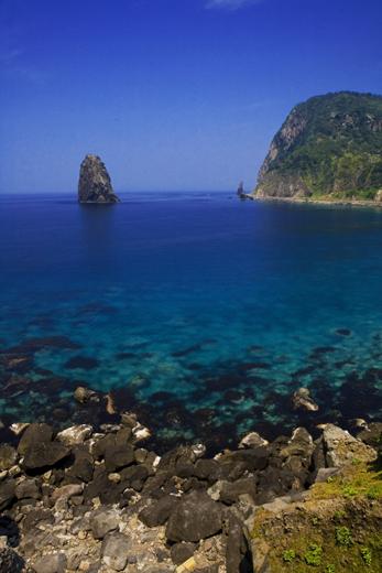 물빛이 아름다운 울릉도의 바다.