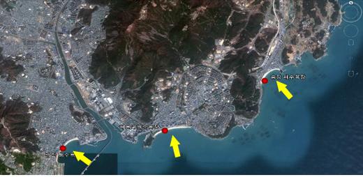 부산 해운대·광안·송정해수욕장의 지형.(노란색 화살 : 여름철 풍계의 바람 혹은 파의 방향)