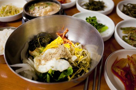 산사여행에서 맛보는 산채비빔밥.
