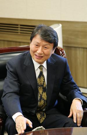 권영민 인문학대중화위원회 위원장.