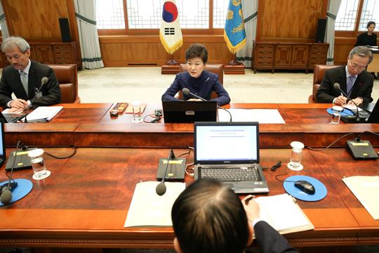 박근혜 대통령이 30일 청와대에서 수석비서관회의를 주재하고 있다. (사진=청와대)