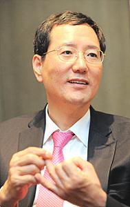 이민화 카이스트 초빙교수·벤처기업협회 명예회장
