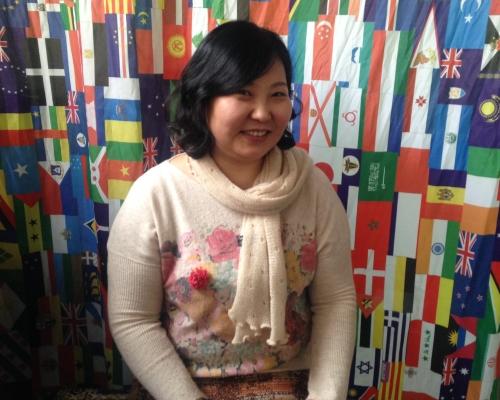 올해로 이주 12년차를 맞은 온드라 흐 씨는 초등학생 두 자녀를 두 어머니로 여러 다문화공동체 활동 및 서울시 외국인 명예부시장 활동도 겸임하고 있다.