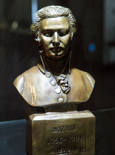 모차르트 등 세계적인 음악가의 이야기를 들을 수 있다.
