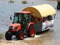 수미마을의 전매특허!…수륙양용 트랙터 마차