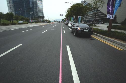 인천시 도로 곳곳 '분홍색 선'의 정체는?